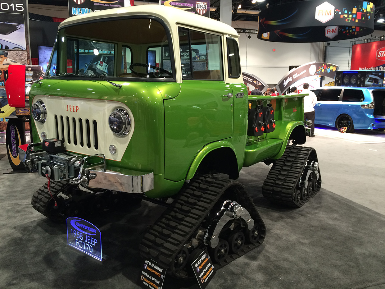 http://gerlingracing.com/wp-content/uploads/2015/01/show-n-shine-sema-car-show-las-vegas-03.jpg