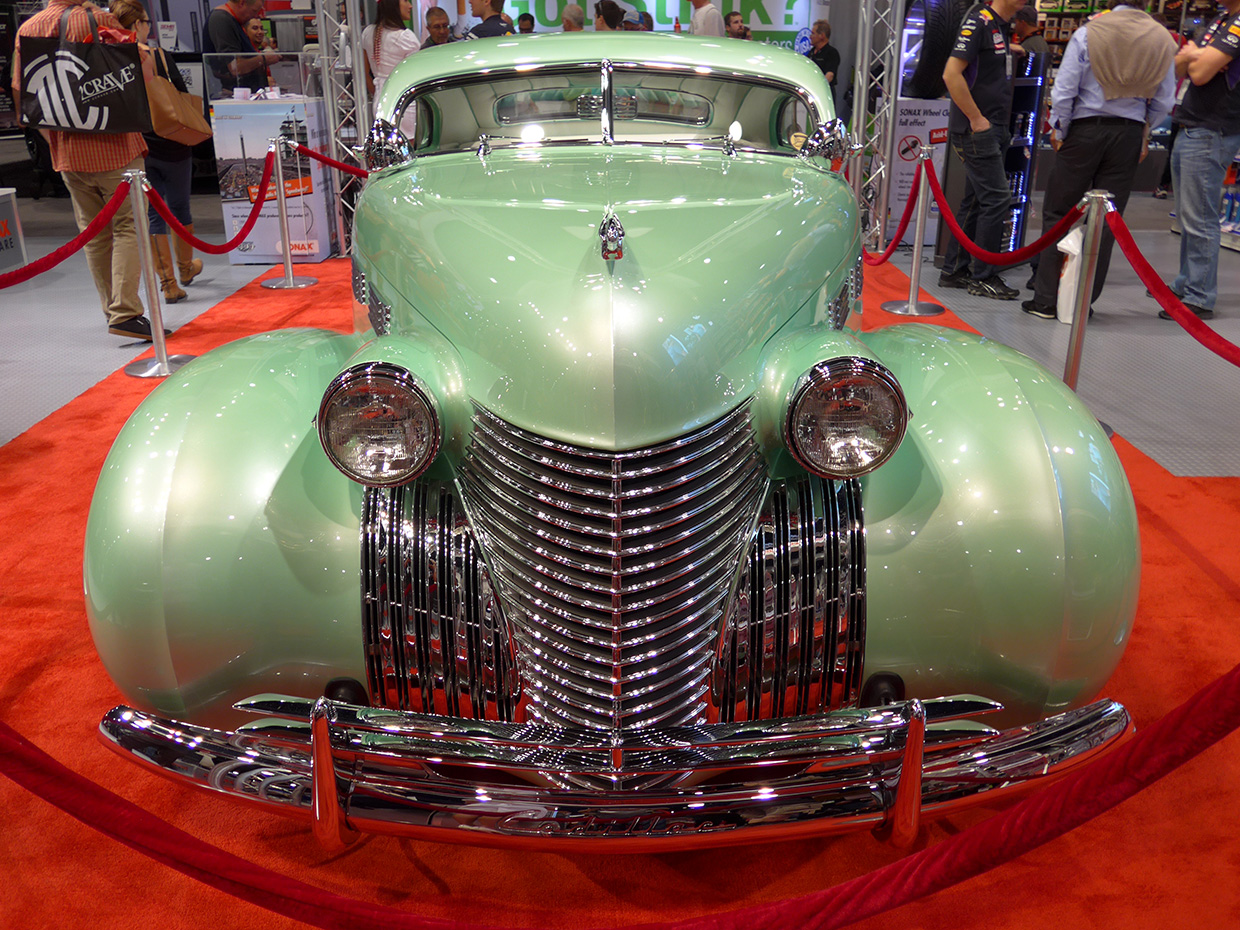 http://gerlingracing.com/wp-content/uploads/2015/01/show-n-shine-sema-car-show-las-vegas-11.jpg