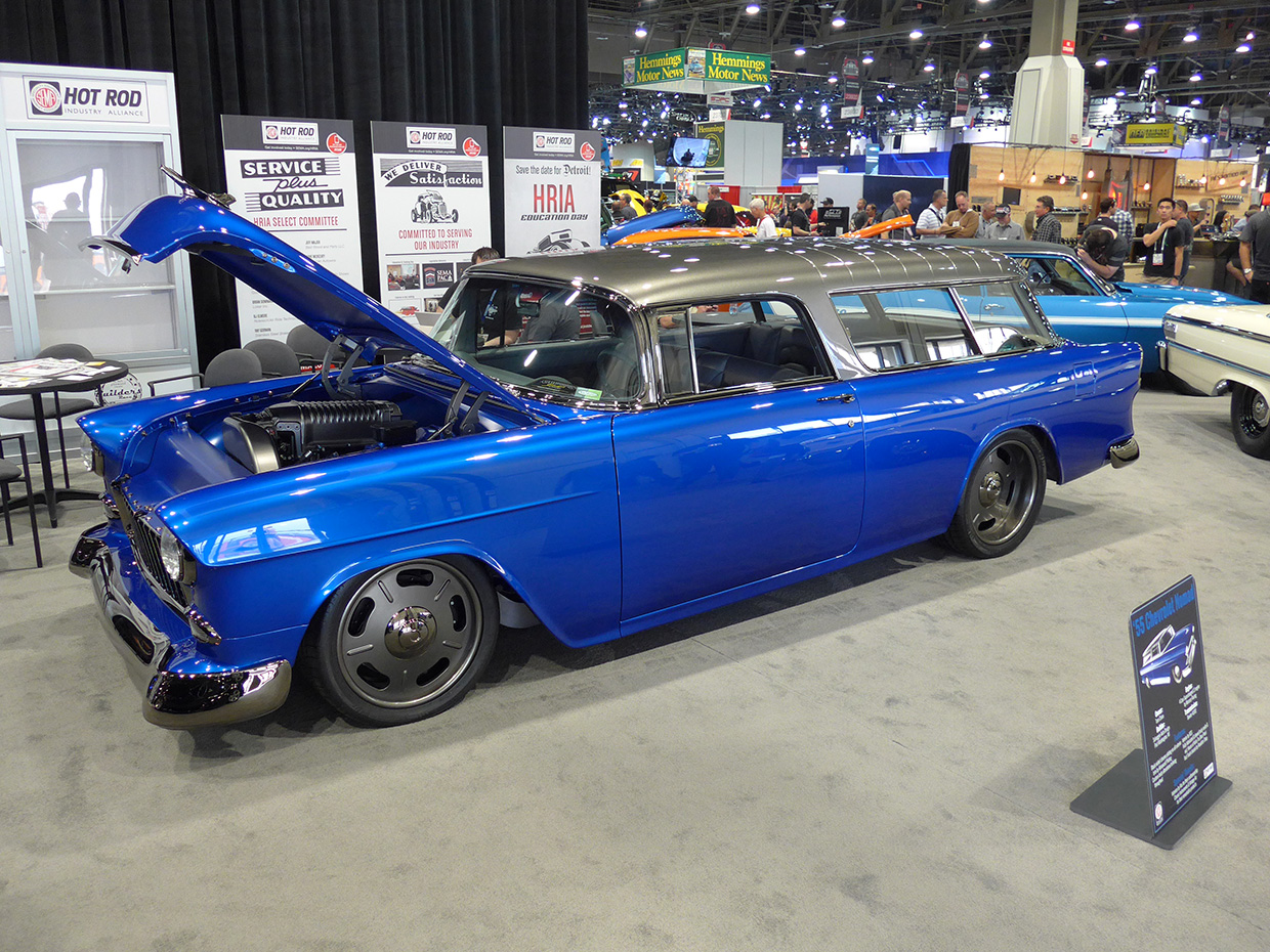 http://gerlingracing.com/wp-content/uploads/2015/01/show-n-shine-sema-car-show-las-vegas-25.jpg